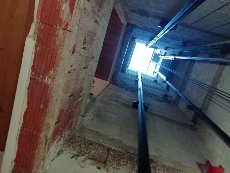Leerer Aufzugsschacht SeeHotel Wassermann am Chiemsee
