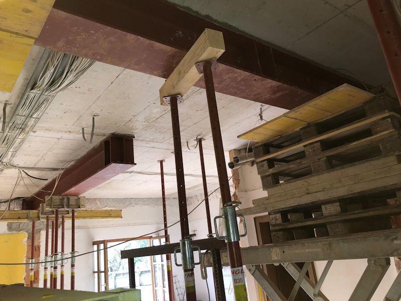 Träger unter den Gangwänden eingebaut SeeHotel Wasserman Ihr Hotel am Chiemsee