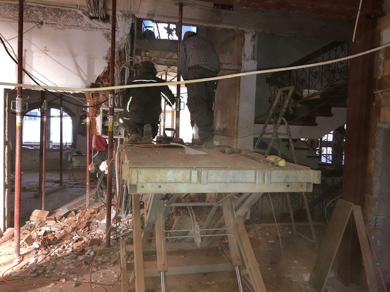 Büro- und Aufzugswand EG  SeeHotel Wasserman Ihr Hotel am Chiemsee