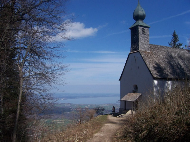 Schnappenkirche mit Chiemseeblick