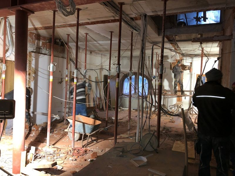 Blcik von Lobby in die neue Rezeption  SeeHotel Wasserman Ihr Hotel am Chiemsee