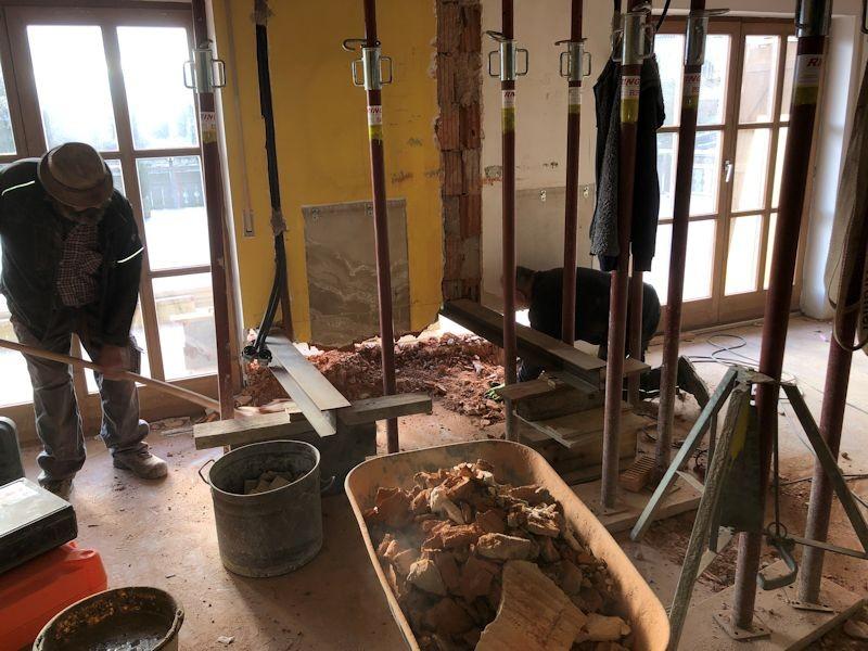 Durchbruch Aussenwand für Betonanker SeeHotel Wasserman Ihr Hotel am Chiemsee