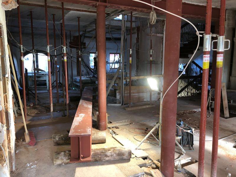 Letzer großer Träger eingbaut  SeeHotel Wasserman Ihr Hotel am Chiemsee
