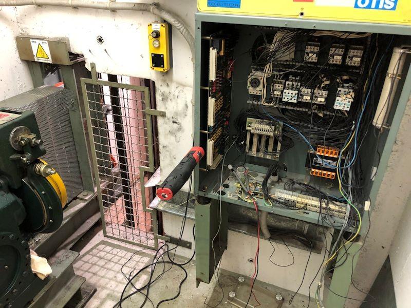 Alte Aufzugstechnik - SeeHotel Wassermann am Chiemsee