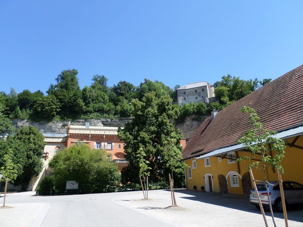 Höhlenburg