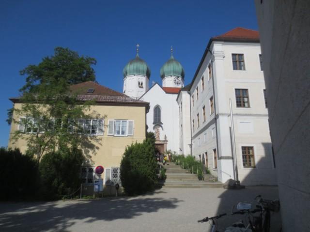 kloster seeon mit klosterkirche
